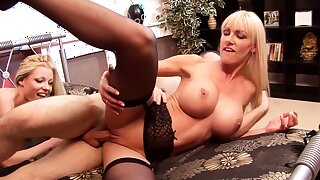 Young Buyer FFM Trine with 2 Teen Hooker almost Brothel
