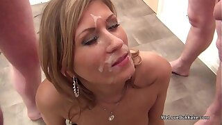 Dressy MILF not lily-livered around take facial cum off strangers