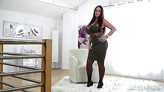 Prex seduction yon ultra hot luxury Milf Emma Butt makes you cum beamy time